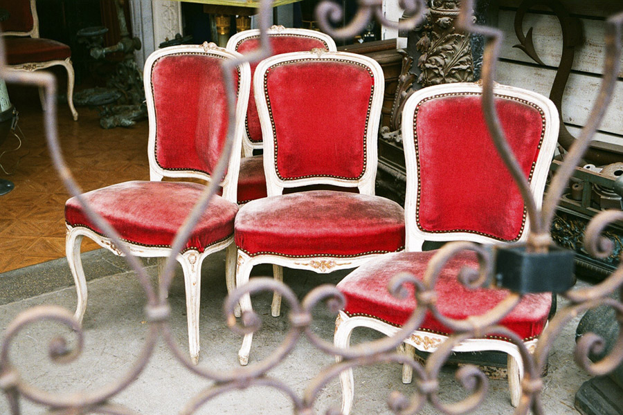 Clignancourt flea market red velvet chairs